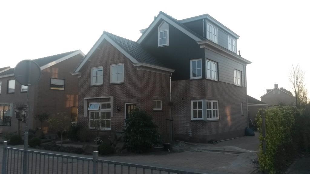 voor- en rechterzijgevel Uitbreiding-verbouw woning Horstenburgstraat 2 te Obdam4
