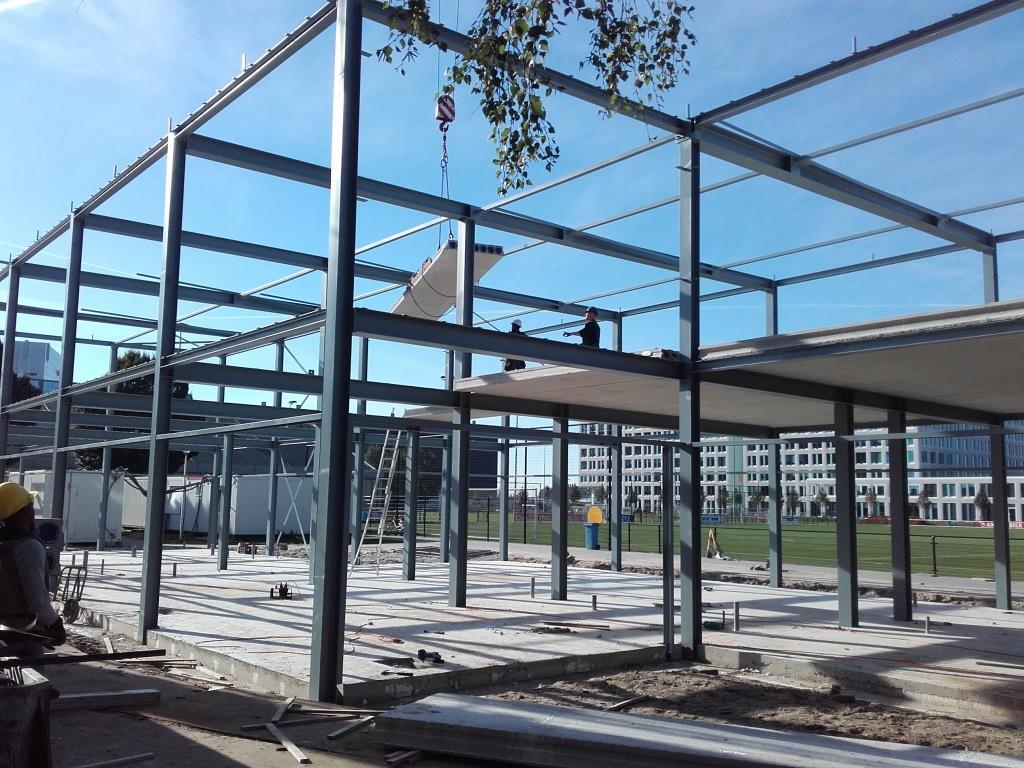 11Nieuwbouw clubgebouw, kanaalplaat verdiepingsvloeren, staalconstructie FC Amsterdam