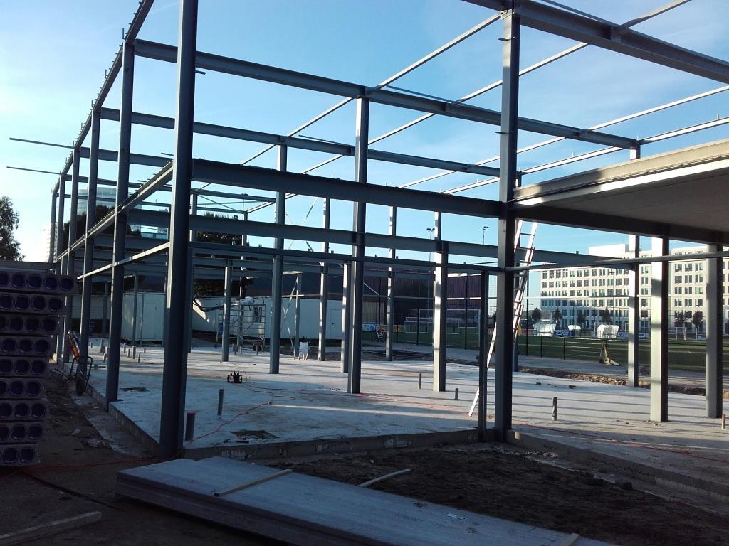 9Nieuwbouw clubgebouw, kanaalplaat verdiepingsvloeren, staalconstructie FC Amsterdam