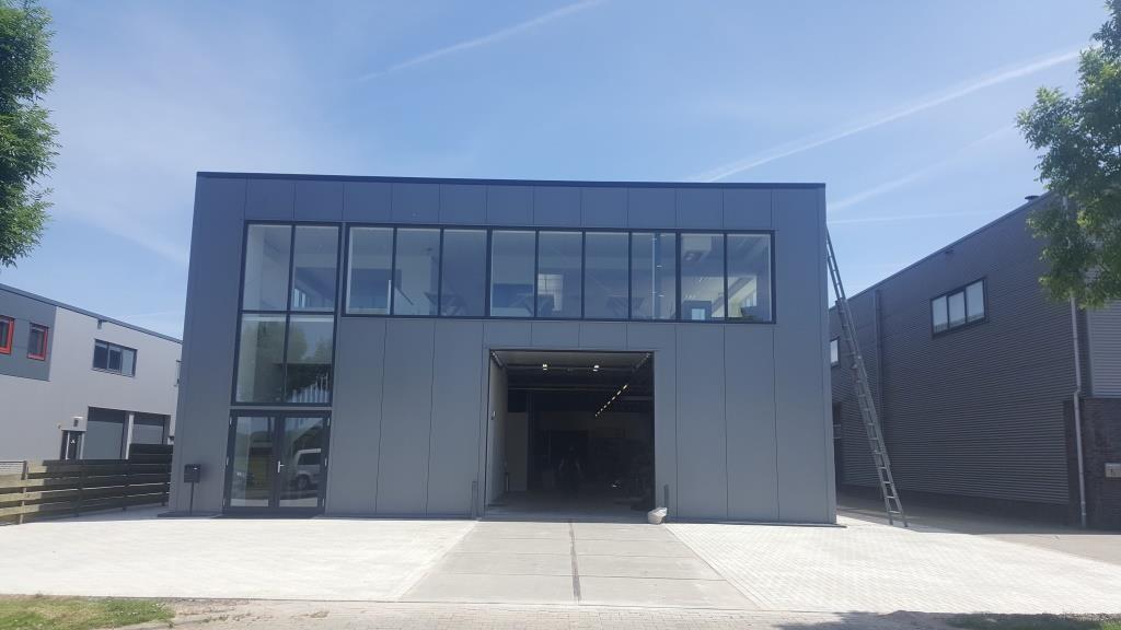 DeViComfortGevels-facelift-verbouw bedrijsgegbouw Vaart 3 Obdam- Vlaar Hensbroek- Aannemer -Kantoor-kozijnen2