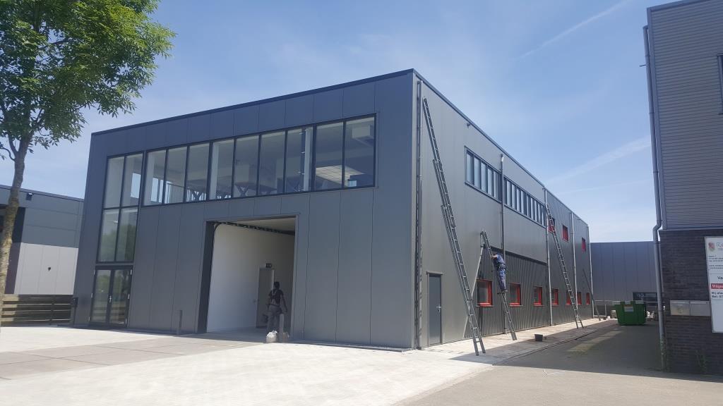 DeViComfortGevels-facelift-verbouw bedrijsgegbouw Vaart 3 Obdam- Vlaar Hensbroek- Aannemer -Kantoor-kozijnen3