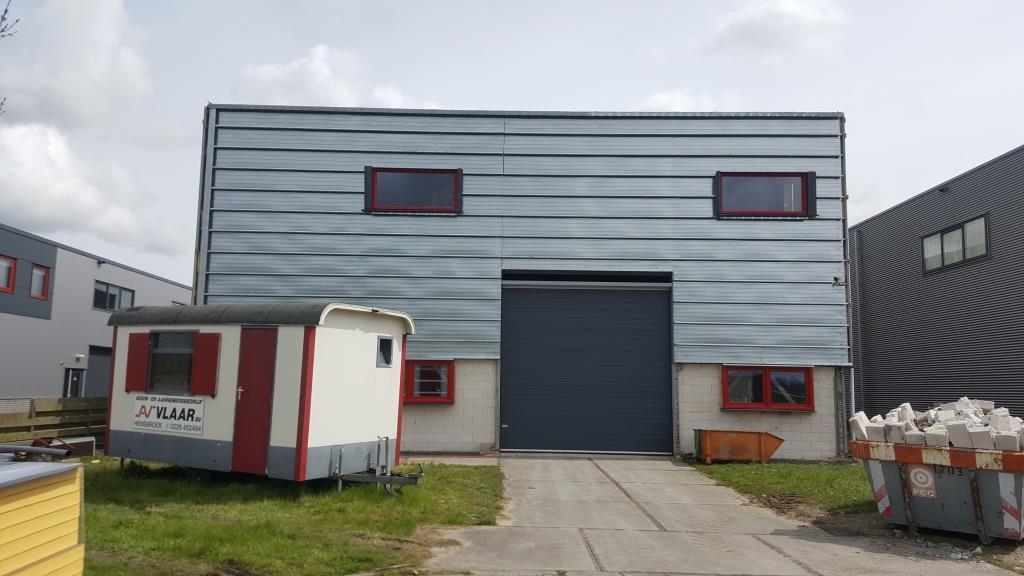 buitengevel bedrijfsgebouw-hal-facelift-Vaart Obdam 1713 Aannemer Hensbroek Vlaar DeVi Comfort2